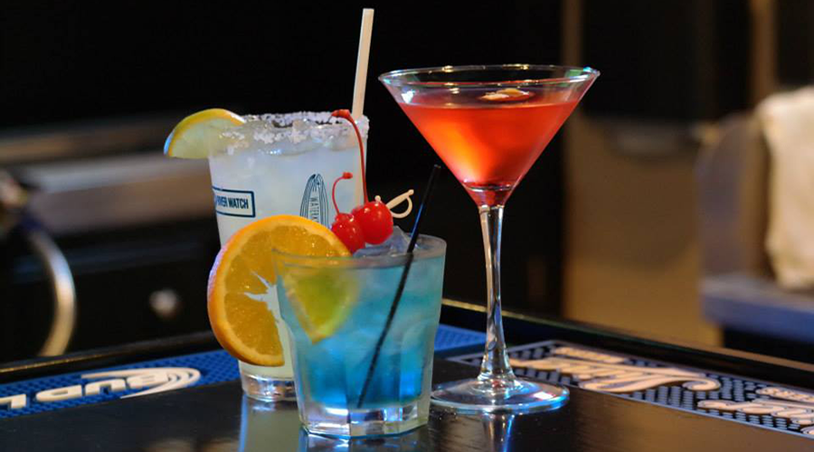 Loaders-Island-Grill-Cocktails